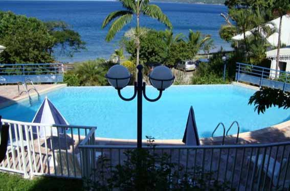 Vue piscine location Martinique